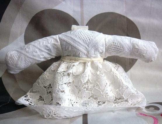 Sachet lavande style robe blanche