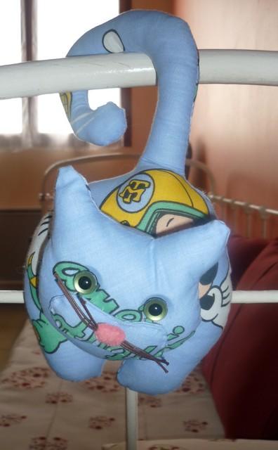 chat accroche poignée.002